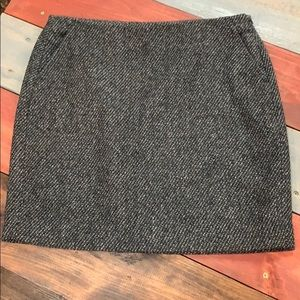 🎉3/$35 Banana Republic Poly/Wool Grey Mini Skirt